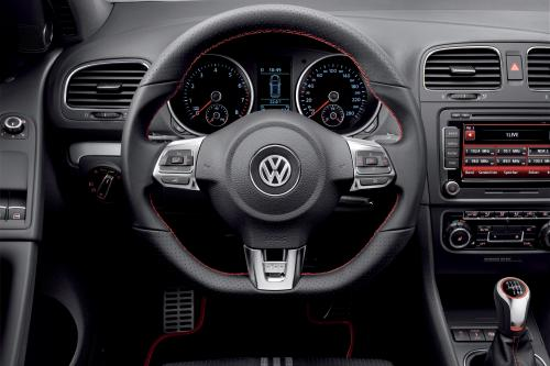 VW и adidas открыл специальный выпуск Golf GTI в Вертерзее 2010