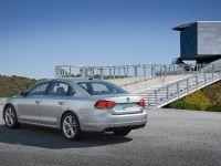 2011 Volkswagen Passat US, 2 of 10