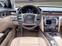 2011 Volkswagen Phaeton, 10 of 28