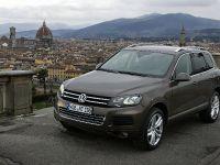 2011 Volkswagen Touareg 3.0 TDI Clean Diesel, 1 of 5