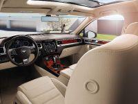 2011 Volkswagen Touareg 3.0 TDI Clean Diesel, 3 of 5