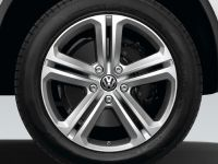 2011 Volkswagen Touareg R-Line Plus, 2 of 2