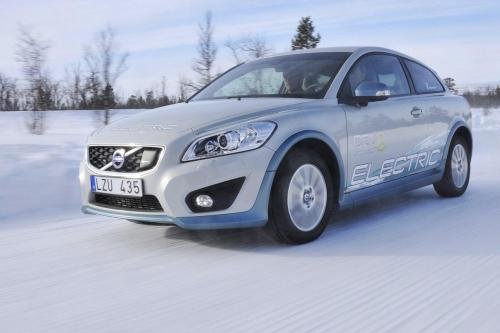 2011 Volvo C30 EV - тест-драйв [видео]