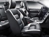 2011 Volvo V70 R-DESIGN, 2 of 3