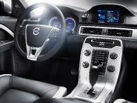 2011 Volvo V70 R-DESIGN, 3 of 3