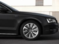 2012 Audi A8 Hybrid - production version, 14 of 42