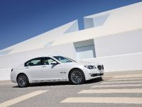 2013 BMW Series 7 , 4 of 21