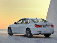 2013 BMW Series 7 , 13 of 21