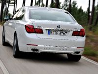 2013 BMW Series 7 , 16 of 21