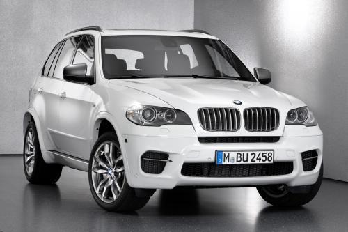 BMW x5 - M50D фотографии