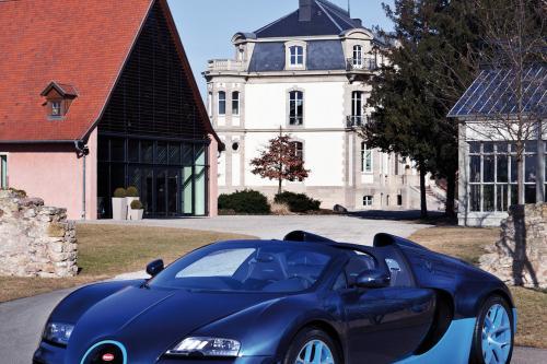 Bugatti Veyron Grand Sport Vitesse blue carbon (Голубой Карбон) – фотографии
