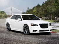 2012 Chrysler 300 SRT8, 5 of 18