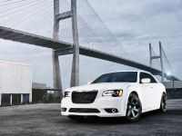 2012 Chrysler 300 SRT8, 9 of 18