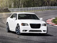 2012 Chrysler 300 SRT8, 11 of 18