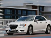2012 Chrysler 300C UK, 3 of 65