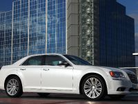 2012 Chrysler 300C UK, 5 of 65
