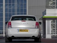 2012 Chrysler 300C UK, 10 of 65