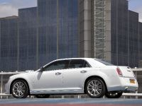 2012 Chrysler 300C UK, 13 of 65
