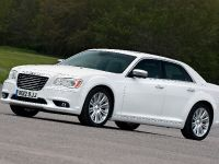 2012 Chrysler 300C UK, 18 of 65