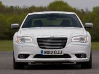 2012 Chrysler 300C UK, 20 of 65