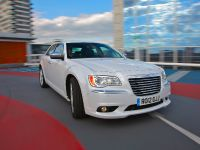 2012 Chrysler 300C UK, 25 of 65