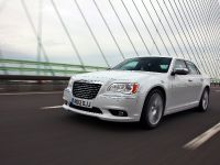 2012 Chrysler 300C UK, 27 of 65