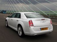 2012 Chrysler 300C UK, 28 of 65