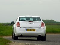 2012 Chrysler 300C UK, 30 of 65