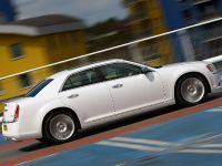 2012 Chrysler 300C UK, 33 of 65