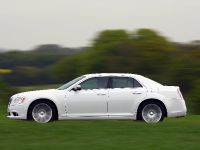 2012 Chrysler 300C UK, 35 of 65