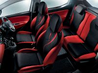 2012 Chrysler Ypsilon Black and Red, 2 of 2
