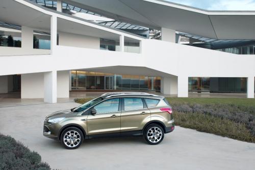 2012 Ford Kuga: стильный и просторный компактный внедорожник