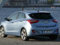 2012 Hyundai i30 5-door, 2 of 3