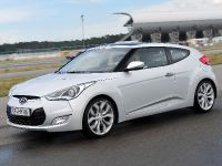 2012 Hyundai Veloster Coupe, 2 of 5