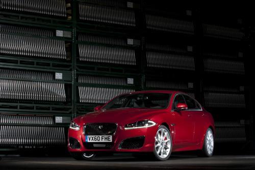 BMW M5 F10 vs Porsche Panamera S vs Mercedes E63 AMG и Jaguar XFR vs [фото]