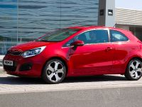 2012 Kia Rio three-door, 3 of 5