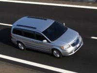 thumbnail image of 2012 Lancia Voyager
