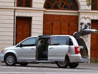 2012 Lancia Voyager, 7 of 13