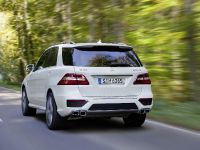 2012 Mercedes-Benz ML 63 AMG, 2 of 22