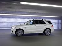 2012 Mercedes-Benz ML 63 AMG, 6 of 22