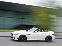 2012 Mercedes-Benz SLK 55 AMG, 5 of 17