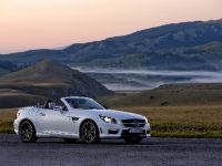 2012 Mercedes-Benz SLK 55 AMG, 8 of 17