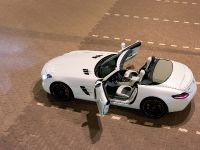 2012 Mercedes SLS AMG Roadster, 4 of 65