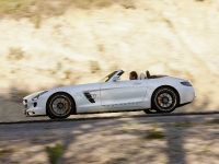 2012 Mercedes SLS AMG Roadster, 41 of 65