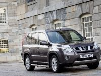 2012 Nissan X-TRAIL Platinum edition, 1 of 10