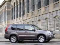 2012 Nissan X-TRAIL Platinum edition, 4 of 10