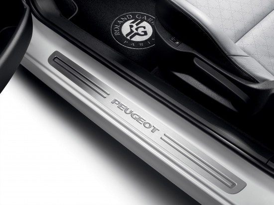 Peugeot 207 CC and 308 CC Roland Garros Special Editions