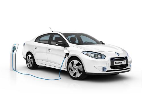 2012 Renault Fluence Z. E. Цена - £17 850