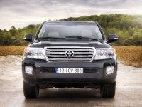 2012 Toyota Land Cruiser V8, 2 of 12