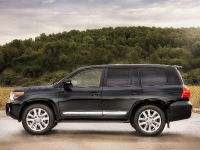 2012 Toyota Land Cruiser V8, 3 of 12